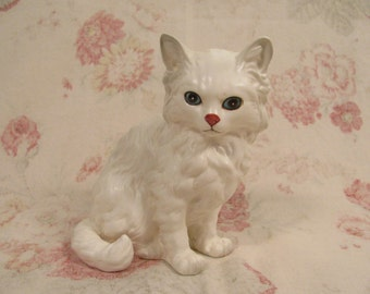 Cat - Kitten Figurine - Vintage Lefton China White Persian  #1514 - Has Label - Best Condition