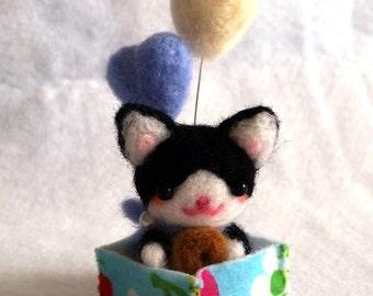 FREE SHIPPING, Miniature Cat Doll, Needle Felt Cat Doll, Tiny Cat Doll, Kawaii Cat Doll, Cat Figurine