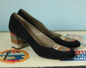 1960s Black Suede Pumps/60s Mik'ELos Suede Pump Shoes / Athens Pumps