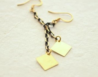 Gold Textured Diamonds on Gold and Black Chain