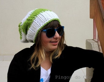 Knitted Hat - Merged Slouchy Hat - White ang Green Knitted hat - Wool - Handmade by T. Catana - Gift for her - Made to Order!