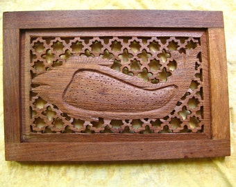 Vintage WOOD CARVED FISH Screen, Hand Carving, 8 by 12 Inches Wooden Art, Woodworking Made in India with Keyhole Design Handmade Fishing