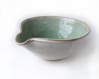 Mixing Bowl with Pouring Lip