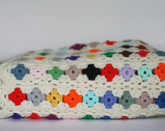 vintage multi color afghan with scalloped edge