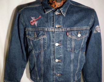 Womens Vtg LEVIS Button Up Red Tab Denim Trucker Styled 4-Pocket Jacket sz L with rock n roll embellishments
