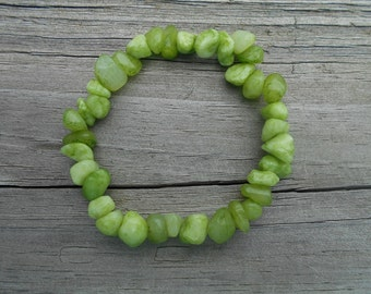 Dyed Lime Green Quartzite Chip Stretch Bracelet