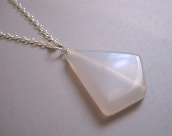 Grey Agate Necklace, Translucent Stone Pendant, Modern Stone Necklace, Minimalist, Long Necklace, Agate kite