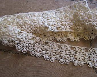 vintage lace trim - 1.875 yards x 1.375 inches wide