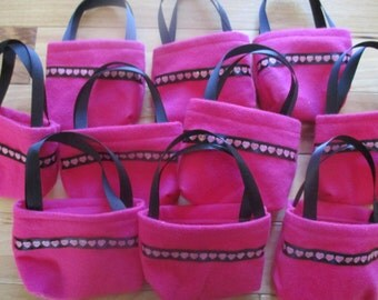 American Girl Party Favors, 10 hot pink doll purses for 18 inch dolls
