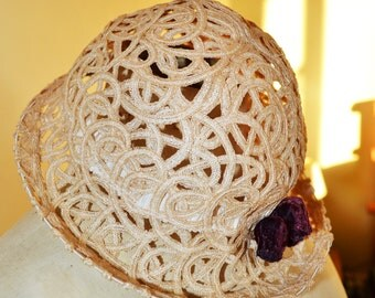 SALE Vintage 1930's hat/Art Deco hat/1930 summer hat/cream horsehair hat/1930 lace hat/1930 straw hat/velvet millinery trim/rose buds