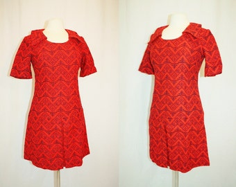 1970's REd & Navy Poly Dress Small Short Sleeves Vintage REtro 70s A-Line Front Pleat Hipster Day