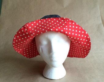 WEEKEND SALE 25% OFF / vintage 1970's polka dot floppy sun hat / reversible denim / garden hat / beach hat