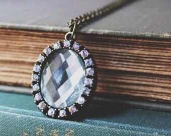Elegant Rhinestone Oval Pendant Necklace