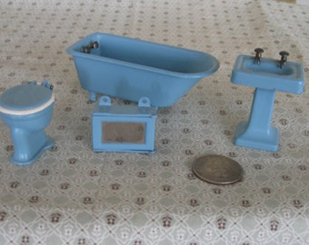 Vintage Tootsietoy Dollhouse Bathroom Set Blue Metal Bathtub Sink Toilet Medicine Cabinet 1930s