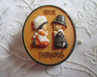 """Vintage Plastic Thanksgiving """"Give Thanks"""" Brooch"""