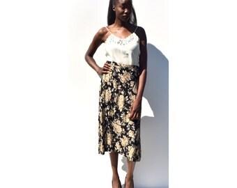 SALE!!!!!!!! Black with cream rose floral print button front A line midi skirt 1990s 90s VINTAGE
