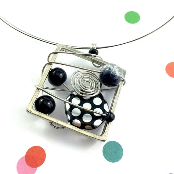 Square metal stainless necklace, black, silver, dots, beads pewter and stainless steel tiger tails, les perles rares