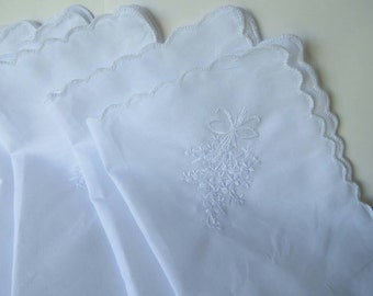 White Scalloped Edge Ladies Handkerchiefs Lot Crafts Gifts Wedding Favors