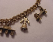 Vintage USA Travelers Charm Bracelet   15 - 109