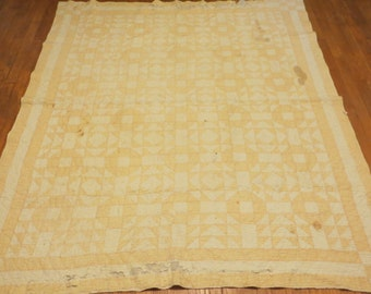 Vintage Peach and Cream Quilt-Hand Sewn
