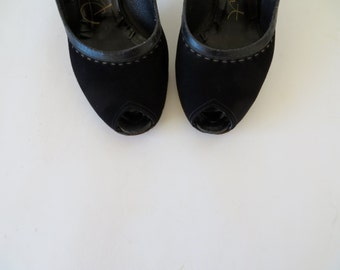Vintage Shoes / 1940s Shoes / 40s Shoes / Peeptoe Shoes / Peep Toe Shoes / 1940s Heels Black Shoes Suede Shoes / 1930s Shoes 30s Dress Shoes