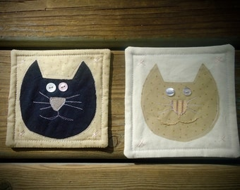 Tiny Kitty Cat wall hanging, mini quilt, cat candle mat, small space wall hanging