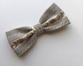 Vintage Ash Gray Bow Tie Clip On Flower Pre tied Country Men Women Teen Boy Baby Toddler Children Wedding Bow tie for Groom Groomsmen