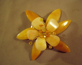 Vintage 1980s Amber Colored Stone Petal Daisy Flower Pin With Rhinestones 8693