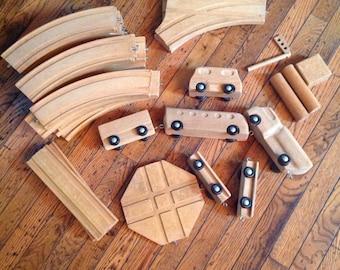 Vintage Creative Playthings New York 30 Piece Wood Train Set Track