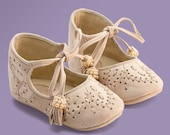 Baby Gift, Baby Booties, Girl Shoes, Baby Shoes made from beige leather by Vibys