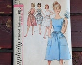 Vintage Printed Pattern Simplicity 60s style wrap dress Juniors misses one-piece Size 9 #5460
