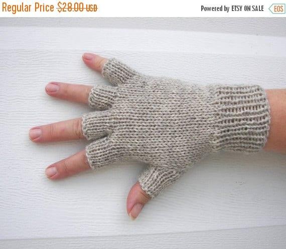 SALE Hand Knit Unisex WOOL Half Finger GLOVES in Oatmeal Gray