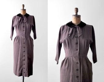 40 rayon dress. brown. 40's bow dress. velvet collar. buttons. burgundy. 1940 collared dress. s m.