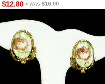 Vintage Whiting & Davis Earrings - Clip on Old Rose Cameo Style Hand Painted Design - Designer Signed