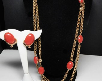 Trifari Coral Orange Demi Parure Set - Oval Coral Tone Lucite Cabochons - Rope Length Chain - Clip on Earrings - Signed Vintage Retro Mod