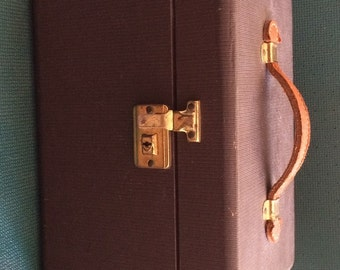 Vintage Luggage / Overnight Bag / Cosmetic Case / Train Case / Travel in Style From Another Time and Place