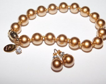 Vintage Liz Claiborne Bracelet and Earrring set