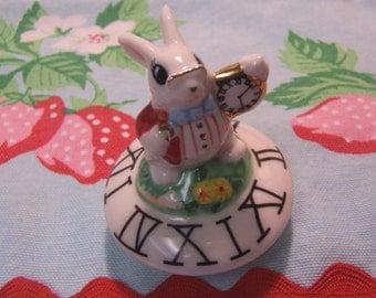 roman numerals rabbit lid