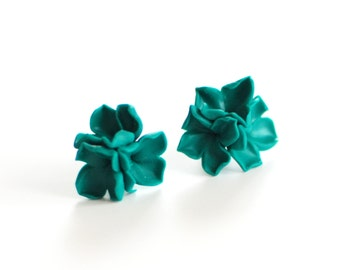 Flower earring, emerald studs, green studs, Flower posts, Lilac studs, accessories