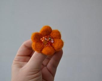 Little Needle Felted Brooch Pumpkin Orange Wool Felt Flower, Small Felt Flower Pin,Flower Brooch, Felted Flower,Corsage Brooch,Woolen Brooch