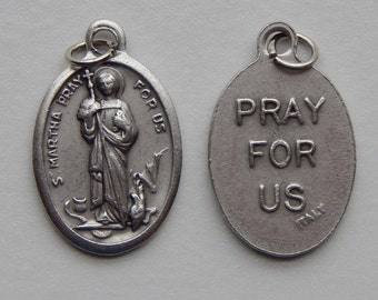 5 Patron Saint Medal Findings - St. Martha, Die Cast Silverplate, Silver Color, Oxidized Metal, Made in Italy, Charm, Drop, RM712