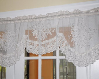 Free Shipping..Vintage Cottage Cream Floral Roses Lace Valance with Ruffle 59 inches Wide