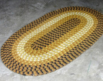 """Vintage Braided Oval Size Country/Farmhouse Home Décor 51""""x 30"""" Shades of Yellow"""