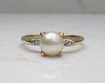 Vintage Cultured Pearl, Diamond, and 14k Solid Yellow Gold Accent Ring, Size 5.5