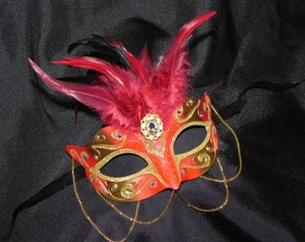 Feather and Chain Masquerade Mask in Red and Gold