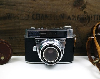Vintage Kodak 35mm Retina Automatic I Camera with 320 Lens Hood and Emo Wetzlar Flash in cases
