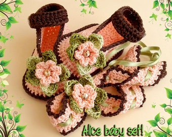 ALICE baby booties with matching headband Crochet pattern. Full of large pictures! Permission to sell finished items.