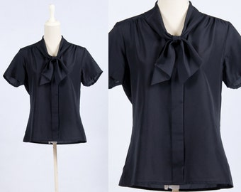 Vintage Black Short Sleeve Ascot Tie Bow Blouse * Preppy Executive Classic * Size Large X-large * FREE SHIPPING