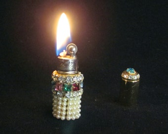 Gold Rhinestone Lighter Ladies Lipstick Lighter Vintage Tube Style Lighter EXCELLENT WORKING CONDITION