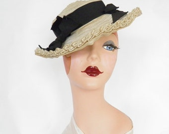 1930s 1940s tilt hat, ivory with black ribbon, NY Creation